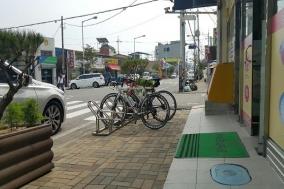 보행자편의 무시하는 자전거주차장